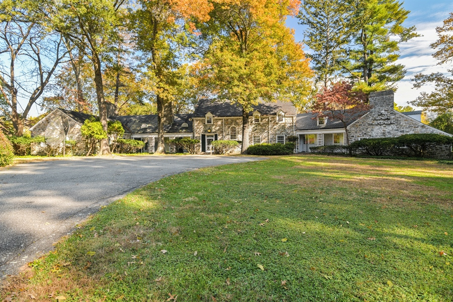 Real Estate Photography - 802 Old Kitchawan Road North, Ossining, NY, 10562 - Front View
