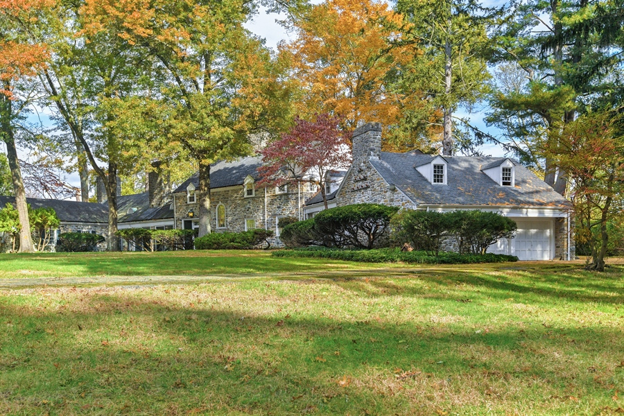 Real Estate Photography - 802 Old Kitchawan Road North, Ossining, NY, 10562 - Side View