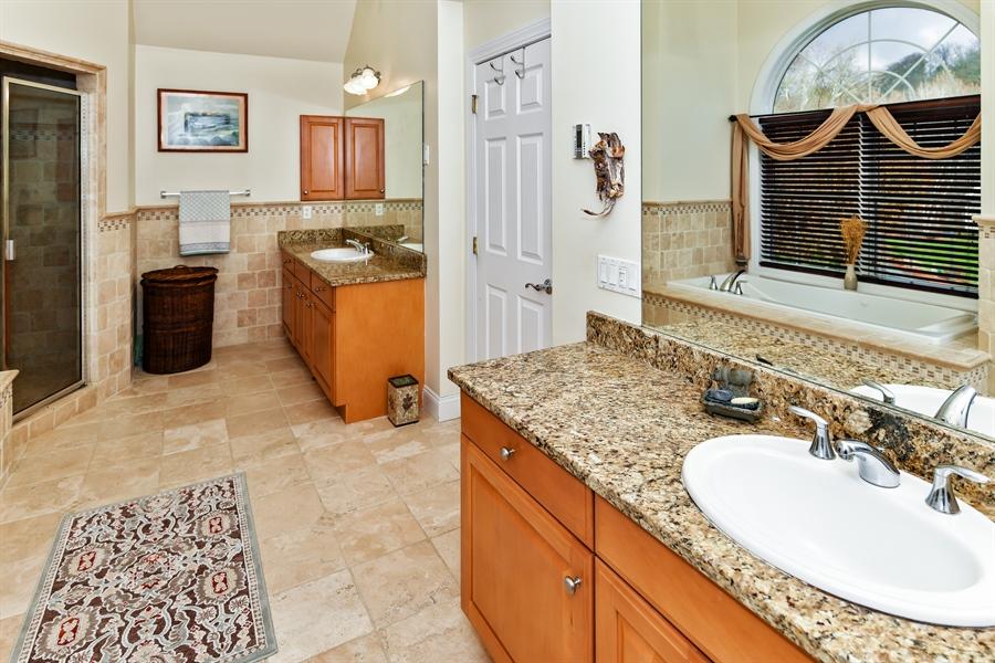 Real Estate Photography - 6 Amato Dr East (aka Michael J. Amato Dr, Cortlandt Manor, NY, 10567 - Master Bathroom