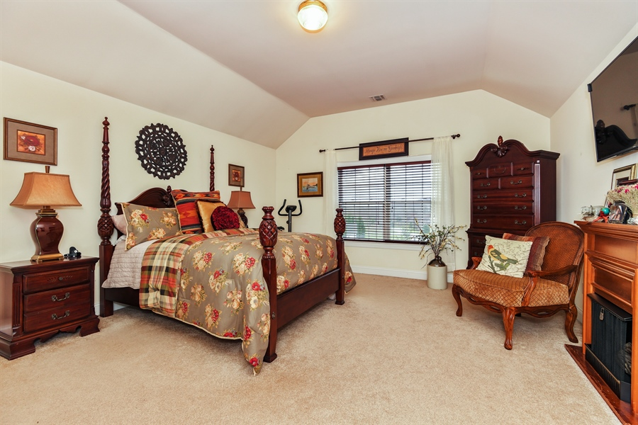 Real Estate Photography - 6 Amato Dr East (aka Michael J. Amato Dr, Cortlandt Manor, NY, 10567 - Master Bedroom