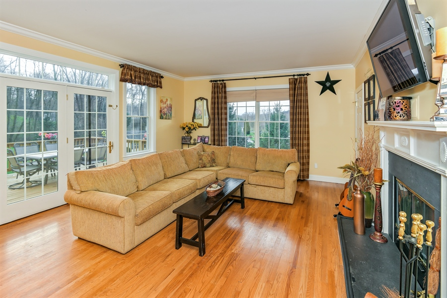 Real Estate Photography - 6 Amato Dr East (aka Michael J. Amato Dr, Cortlandt Manor, NY, 10567 - Great room