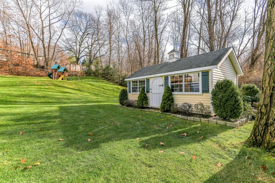 Real Estate Photography - 6 Amato Dr East (aka Michael J. Amato Dr, Cortlandt Manor, NY, 10567 - Back Yard