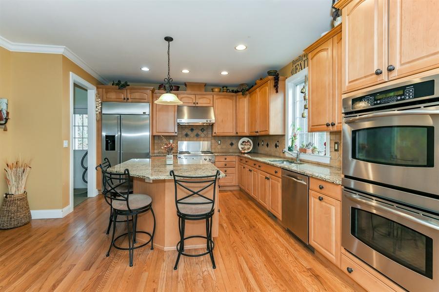 Real Estate Photography - 6 Amato Dr East (aka Michael J. Amato Dr, Cortlandt Manor, NY, 10567 - Kitchen