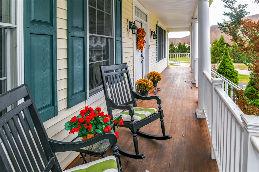 Real Estate Photography - 6 Amato Dr East (aka Michael J. Amato Dr, Cortlandt Manor, NY, 10567 - Porch
