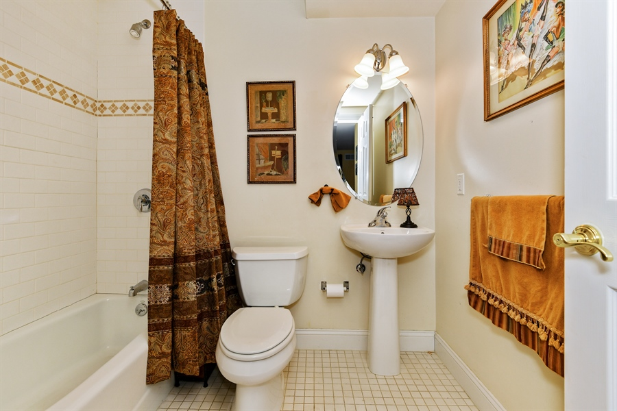 Real Estate Photography - 6 Amato Dr East (aka Michael J. Amato Dr, Cortlandt Manor, NY, 10567 - Bathroom
