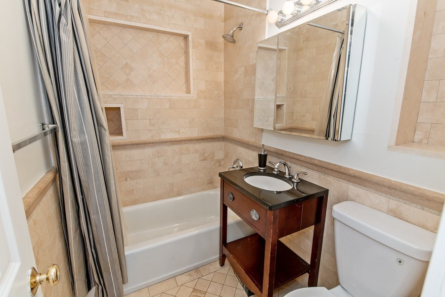 Real Estate Photography - 74 Dogwood Lane, Pleasantville, NY, 10570 - Second Level - Hall Bath