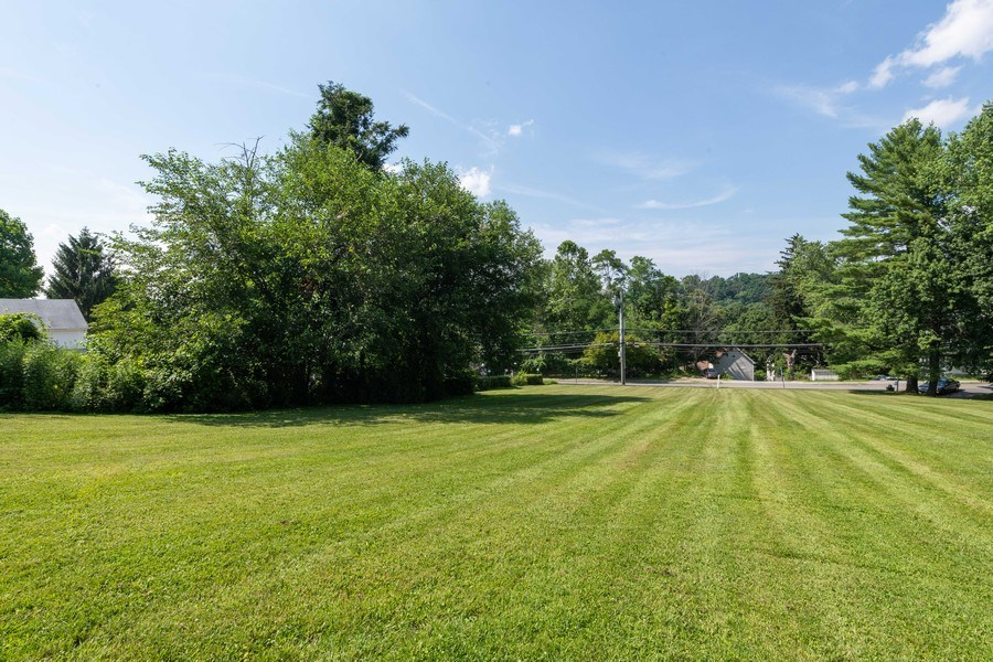Real Estate Photography - 1825 CROMPOND ROAD, PEEKSKILL, NY, 10566 - Front Yard