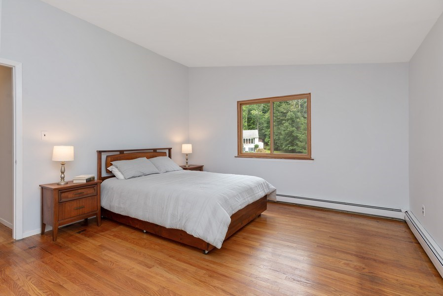 Real Estate Photography - 3 Morningside Ct, Ossining, NY, 10562 - Master Bedroom w/hardwood flrs & vaulted ceiling