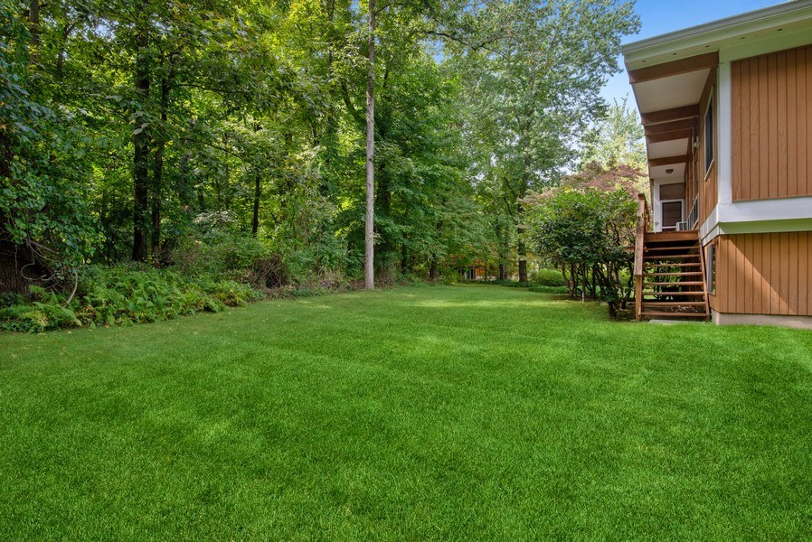 Real Estate Photography - 3 Morningside Ct, Ossining, NY, 10562 - Side view of Private Backyard