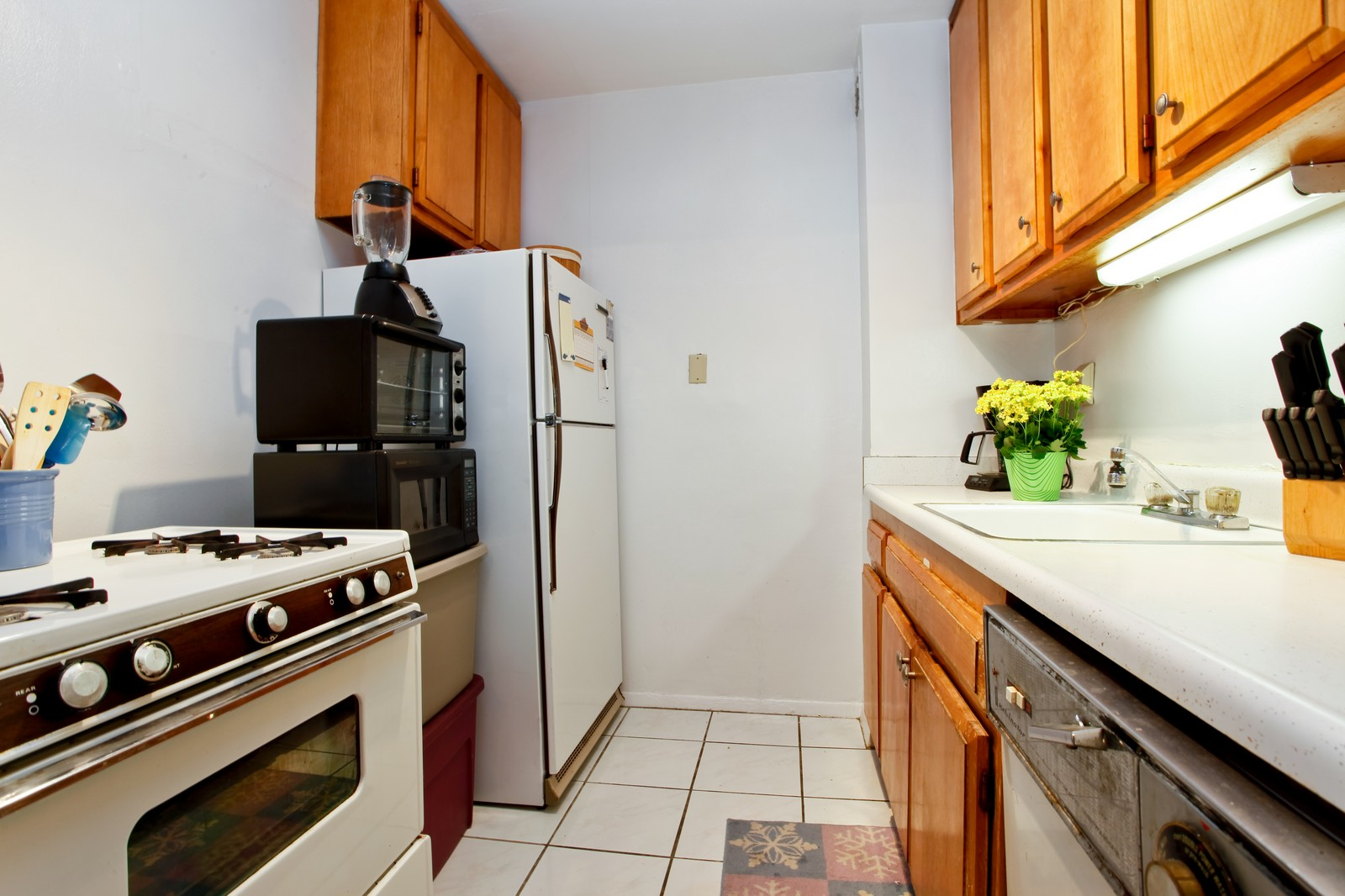 Real Estate Photography - 230 Garth Rd, Apt 2A1, Scarsdale, NY, 10583 - Kitchen