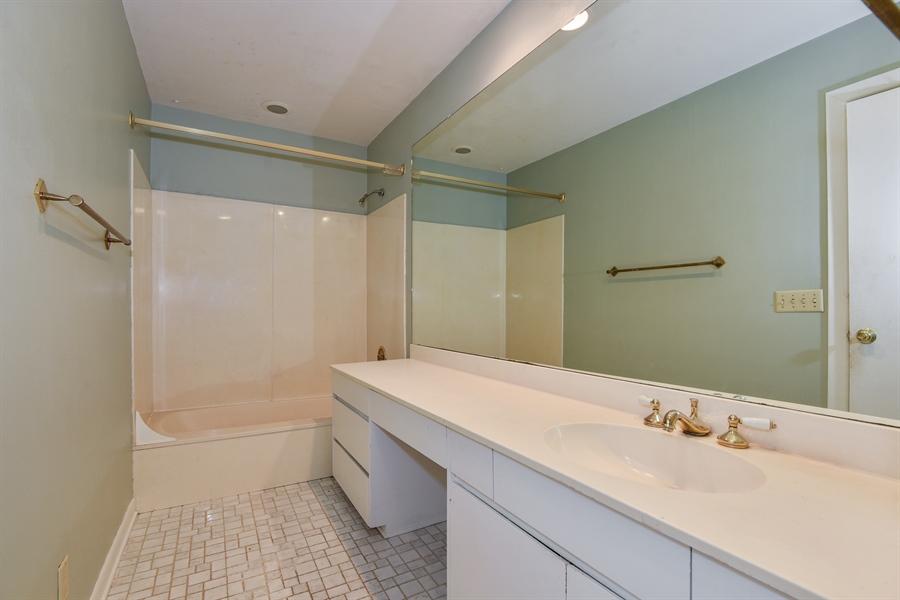 Real Estate Photography - 185 River North Ct, Sandy Springs, GA, 30328 - 3rd Bathroom