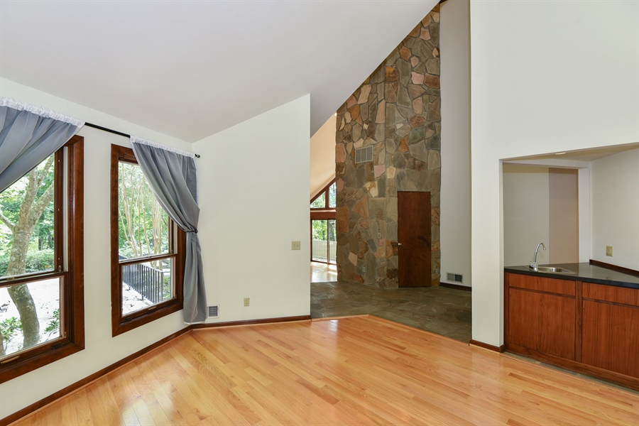 Real Estate Photography - 185 River North Ct, Sandy Springs, GA, 30328 - Foyer/Dining Room