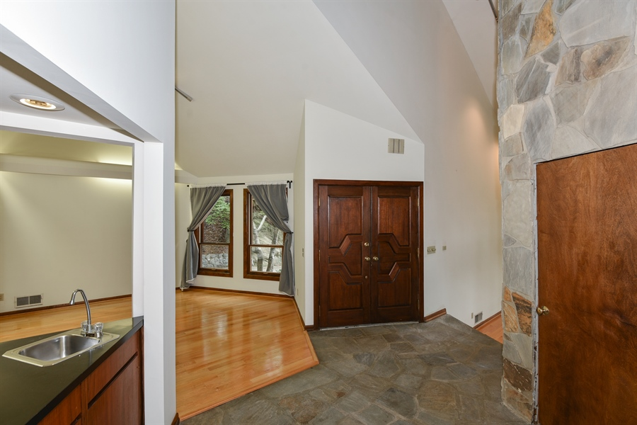 Real Estate Photography - 185 River North Ct, Sandy Springs, GA, 30328 - Foyer