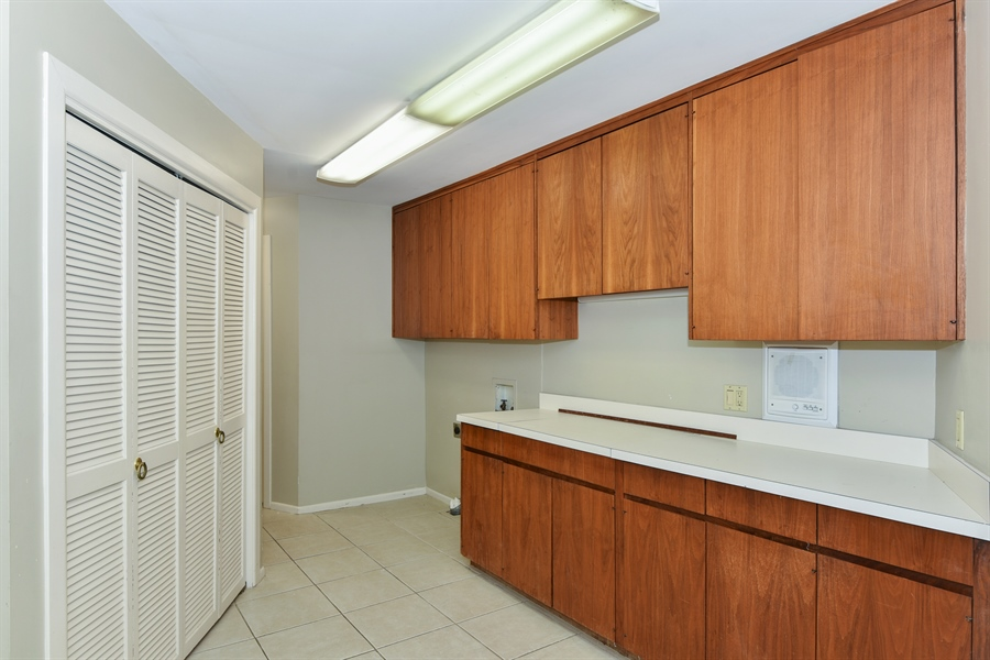 Real Estate Photography - 185 River North Ct, Sandy Springs, GA, 30328 - Laundry Room