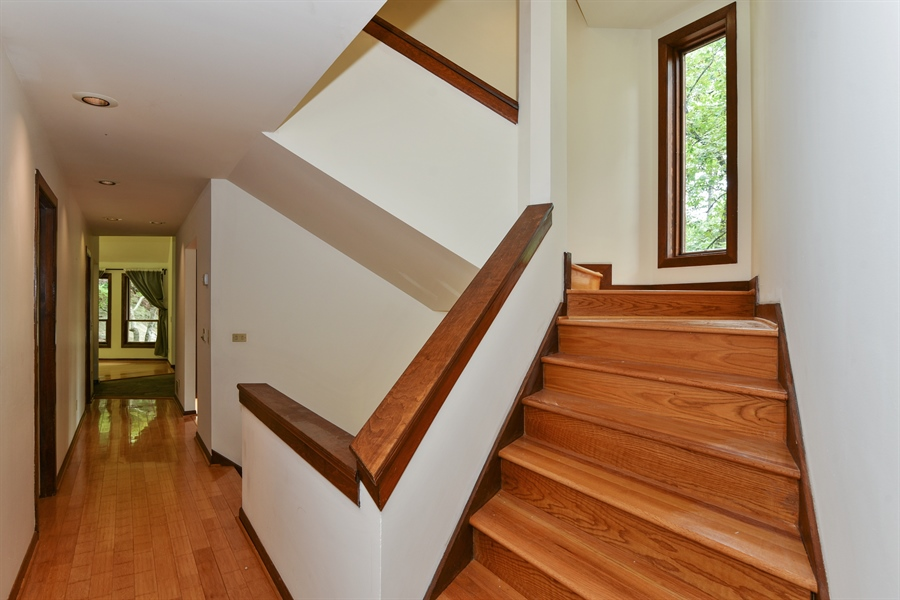 Real Estate Photography - 185 River North Ct, Sandy Springs, GA, 30328 - Staircase