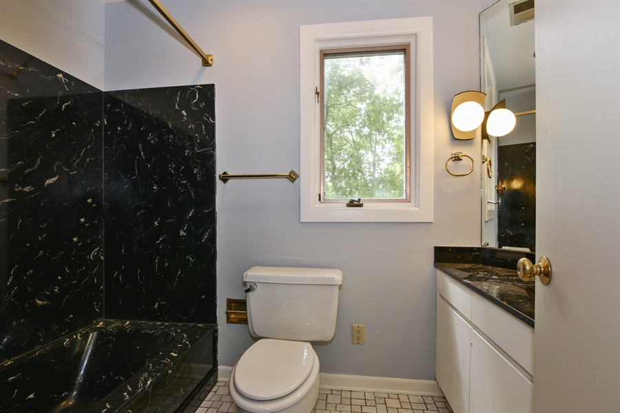 Real Estate Photography - 185 River North Ct, Sandy Springs, GA, 30328 - 2nd Bathroom
