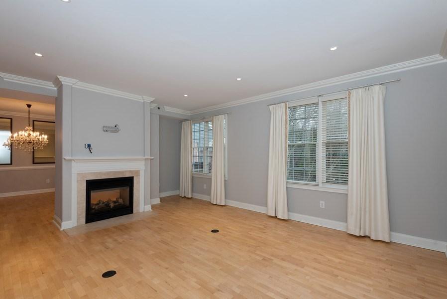 Real Estate Photography - 1735 Peachtree St, #331, Atlanta, GA, 30309 - Living Room