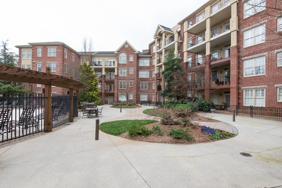 Real Estate Photography - 1735 Peachtree St, #331, Atlanta, GA, 30309 - Terrace
