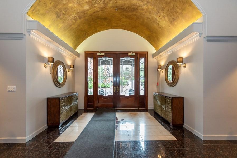 Real Estate Photography - 1735 Peachtree St, #331, Atlanta, GA, 30309 - Lobby