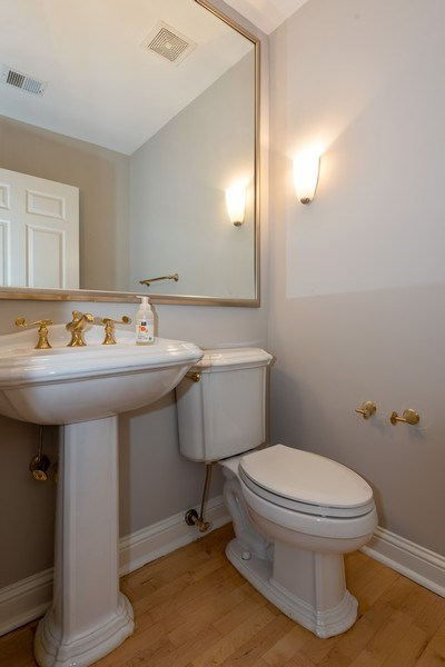 Real Estate Photography - 1735 Peachtree St, #331, Atlanta, GA, 30309 - Half Bath
