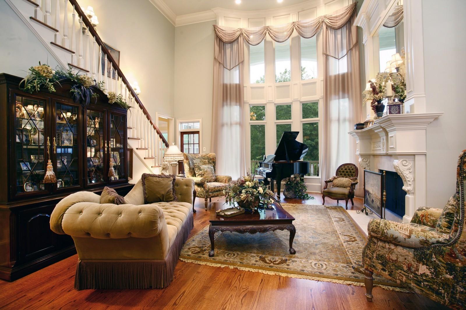 ... Real Estate Photography   14285 Thompson Road, Alpharetta, GA, 30004    Living Room ...