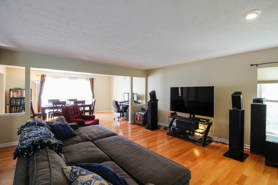 Real Estate Photography - 26 White Oak Bend, Rochester, NY, 14624 - Living Room / Dining Room