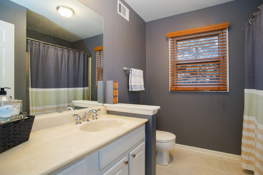 Real Estate Photography - 846 W Partridge Dr, Palatine, IL, 60067 - 3rd Bathroom