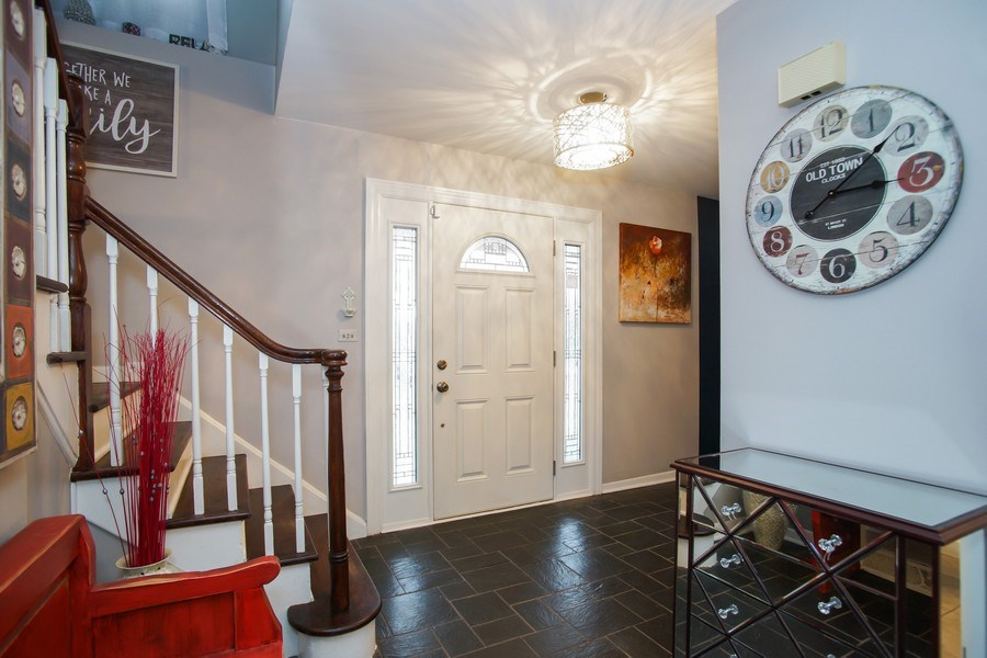 Real Estate Photography - 846 W Partridge Dr, Palatine, IL, 60067 - Foyer