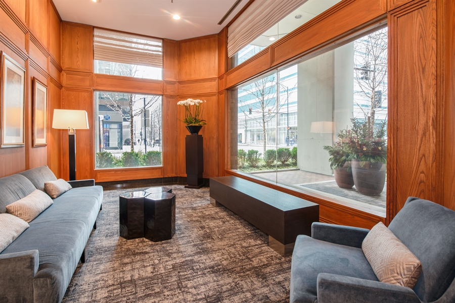 Real Estate Photography - 400 Ohio St, 2004, Chicago, IL, 60654 - Lobby