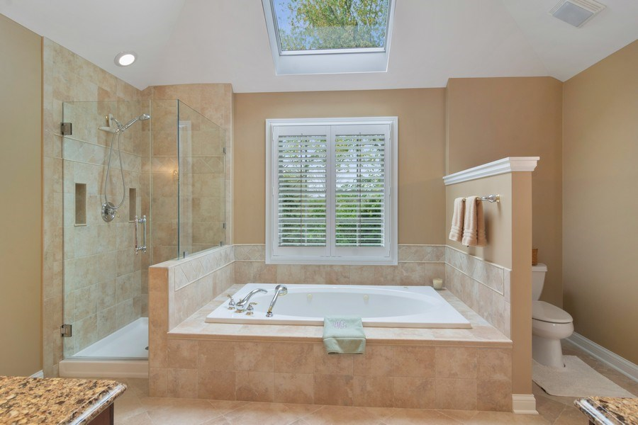 Real Estate Photography - 848 W Willow, Palatine, IL, 60067 - Master Bathroom