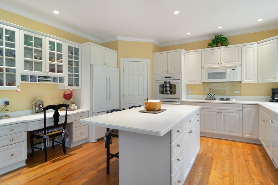 Real Estate Photography - 848 W Willow, Palatine, IL, 60067 - Kitchen