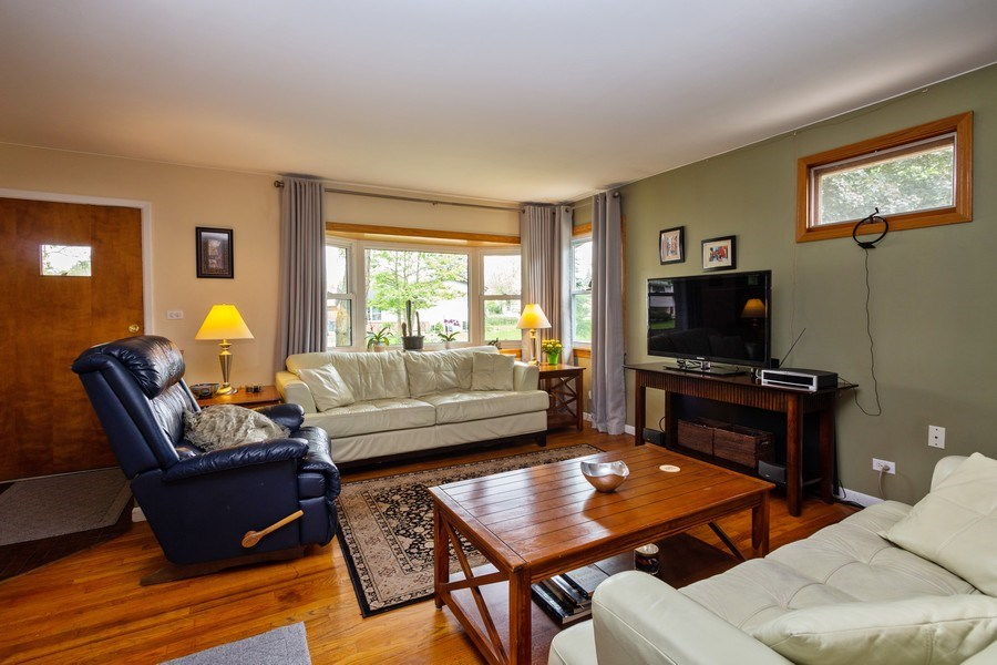 Real Estate Photography - 7 N Rose Ave, Addison, IL, 60101 - Living Room