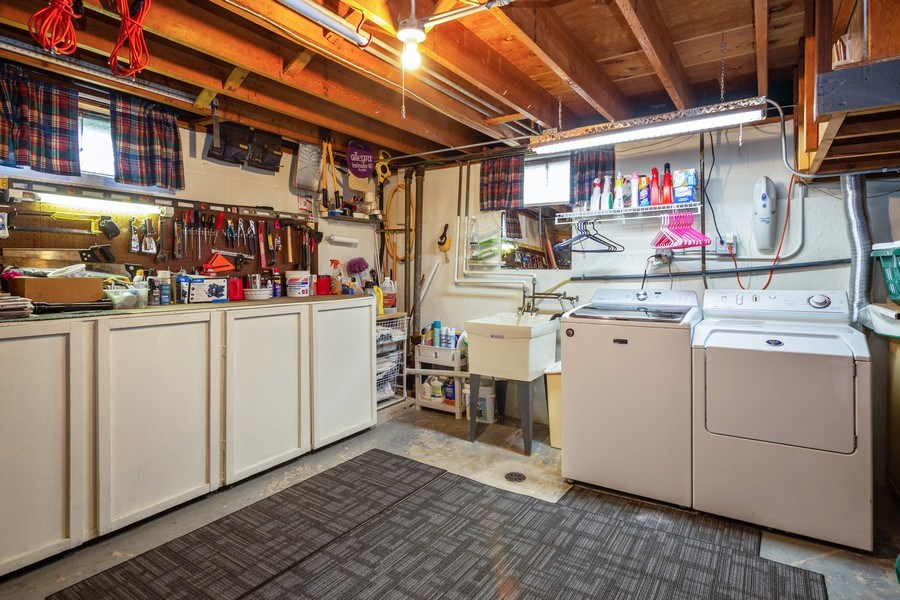 Real Estate Photography - 7 N Rose Ave, Addison, IL, 60101 - Laundry Room