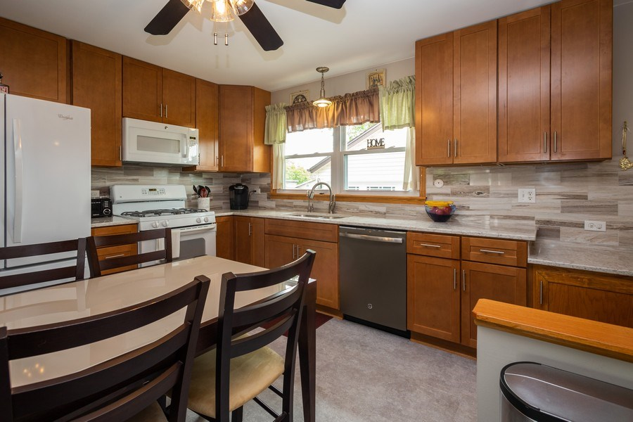 Real Estate Photography - 7 N Rose Ave, Addison, IL, 60101 - Kitchen