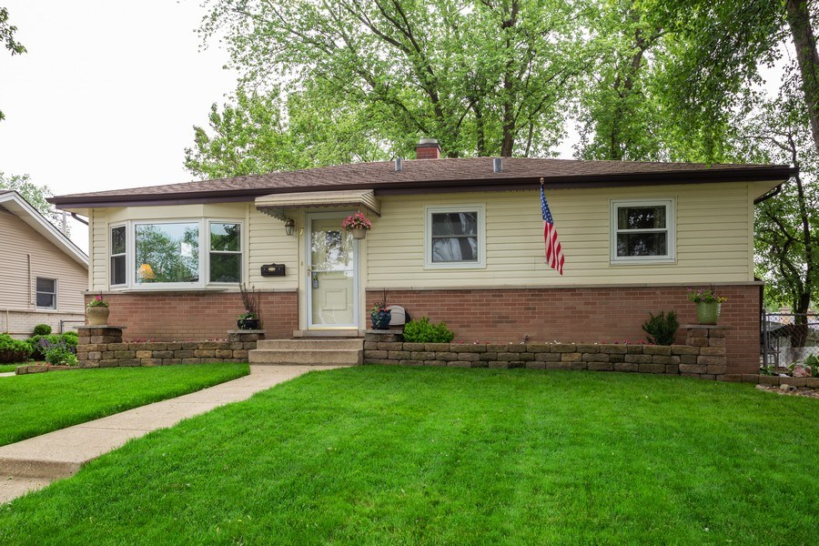 Real Estate Photography - 7 N Rose Ave, Addison, IL, 60101 - Front View