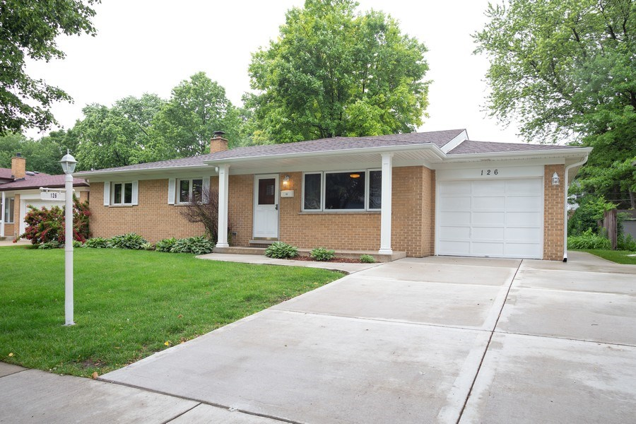 Real Estate Photography - 126 S Dwyer St, Arlington Heights, IL, 60005 - Front View