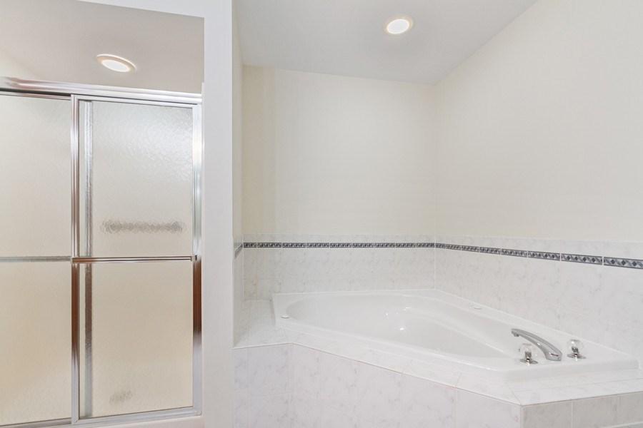 Real Estate Photography - 7775 Bristol Park Dr, Unit 3NW, Tinley Park, IL, 60477 - Master Bathroom