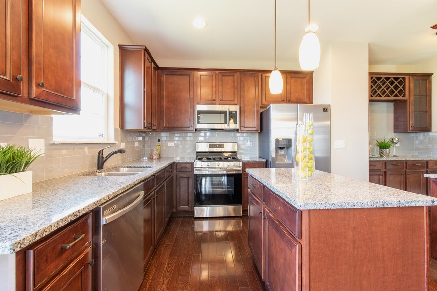 Real Estate Photography - 516 Regal, Bolingbrook, IL, 60490 - Kitchen