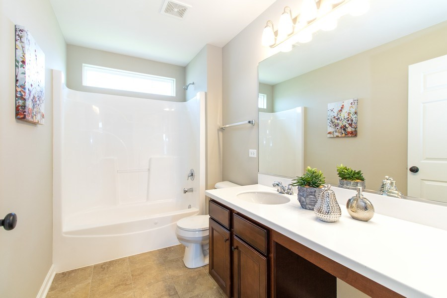 Real Estate Photography - 516 Regal, Bolingbrook, IL, 60490 - Bathroom