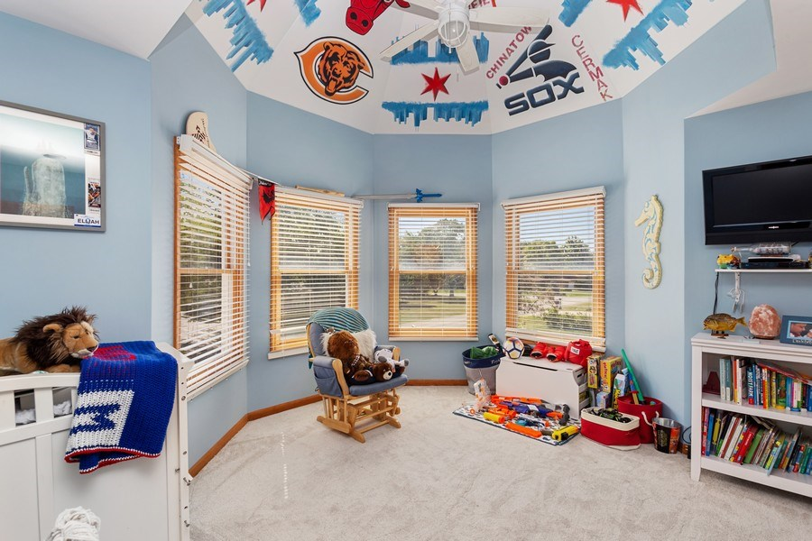 Real Estate Photography - 6N734 Pine st, Bensenville, IL, 60106 - 2nd Bedroom
