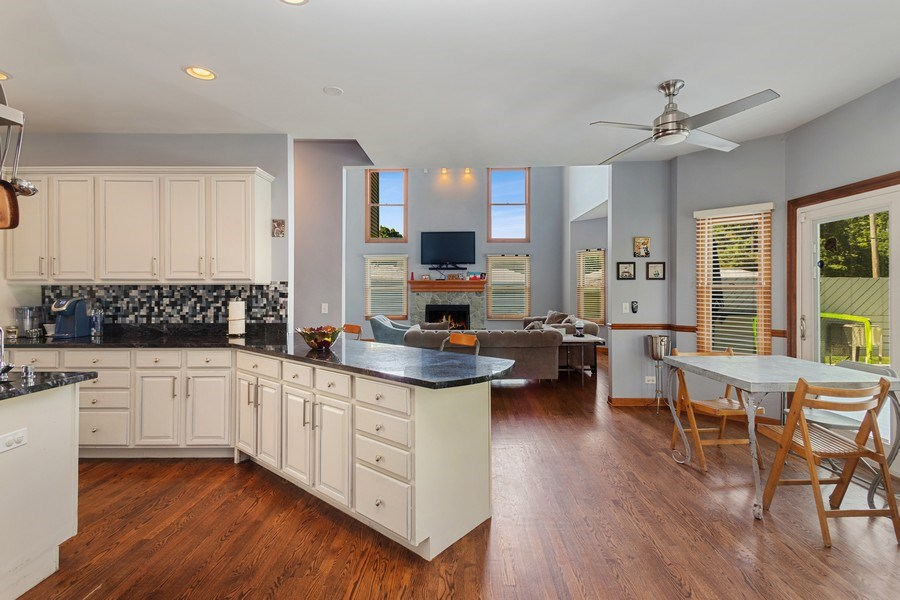 Real Estate Photography - 6N734 Pine st, Bensenville, IL, 60106 - Kitchen / Living Room