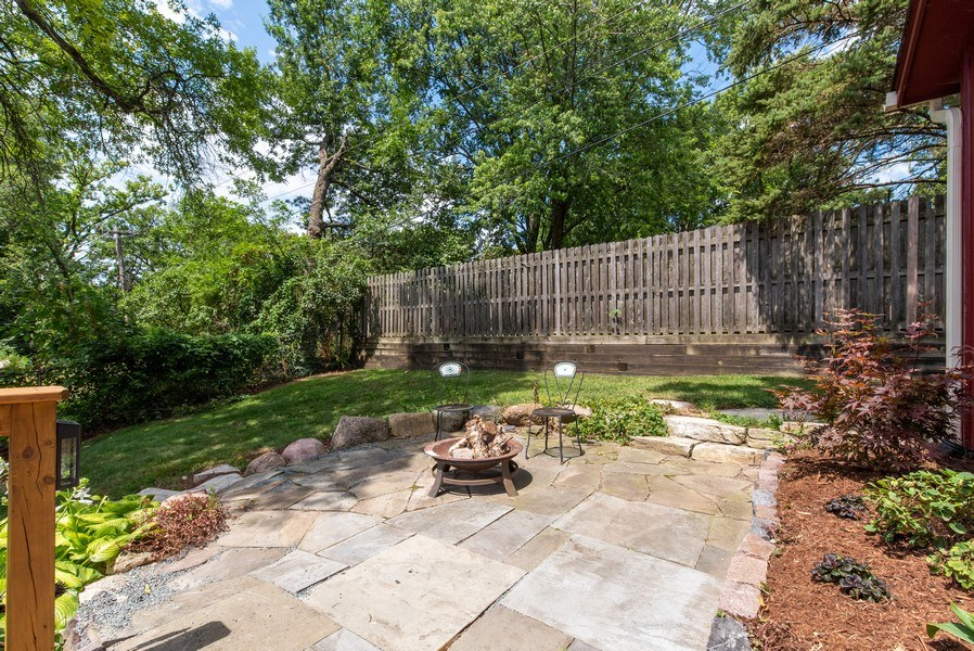 Real Estate Photography - 543 Blackhawk Dr, Lake in the Hills, IL, 60156 - Patio