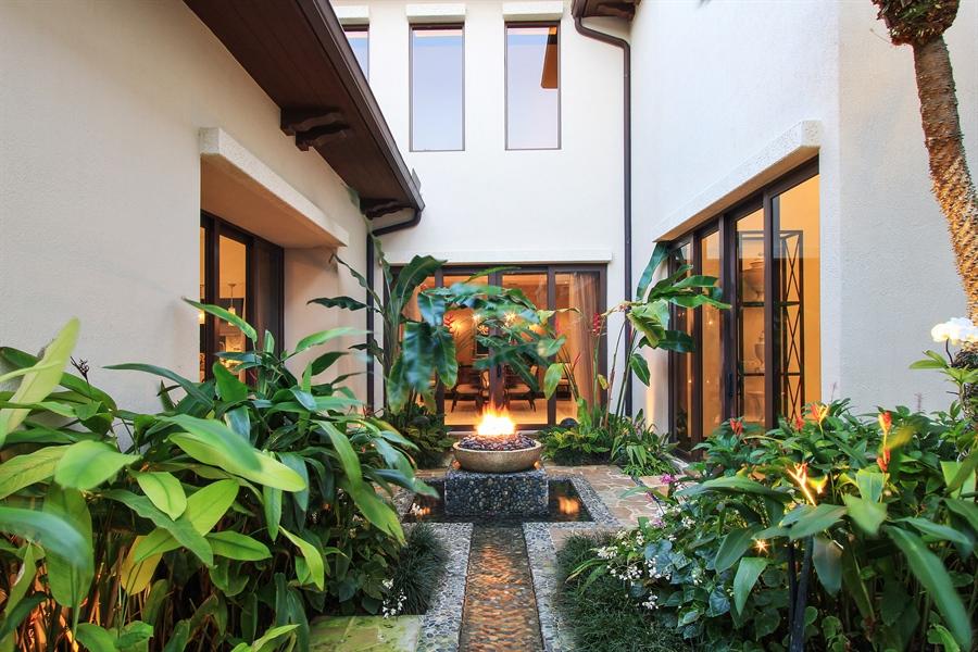 Real Estate Photography - 118 Clipper Lane, Jupiter, FL, 33477 - Garden