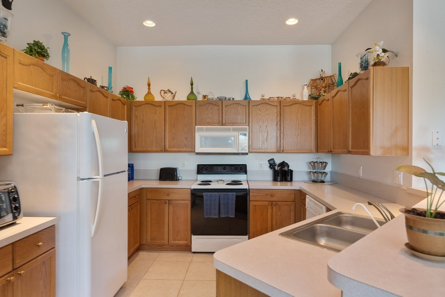Real Estate Photography - 11208 88th Rd N, Palm Bch Gdns, FL, 33412 - Guest House