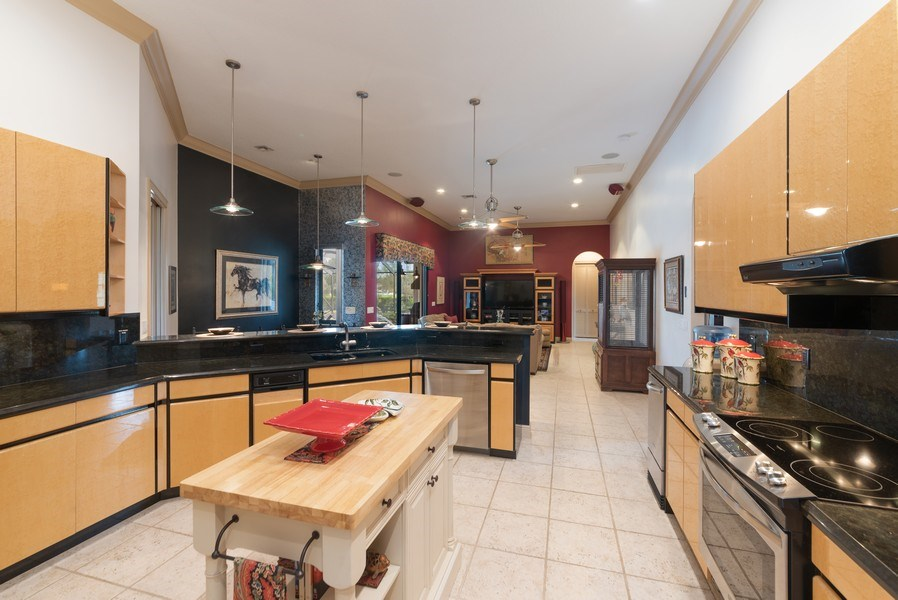 Real Estate Photography - 11208 88th Rd N, Palm Bch Gdns, FL, 33412 - Family Room / Kitchen