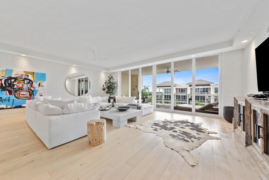Real Estate Photography - 2720 Donald Ross Rd, Unit 502, Palm Beach Gardens, FL, 33410 - Living Room