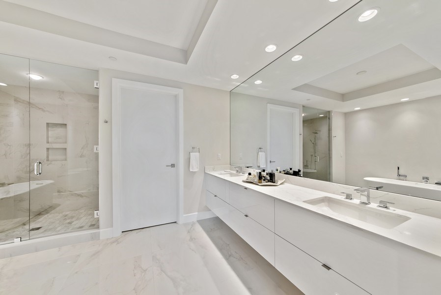 Real Estate Photography - 2720 Donald Ross Rd, Unit 502, Palm Beach Gardens, FL, 33410 - Master Bathroom