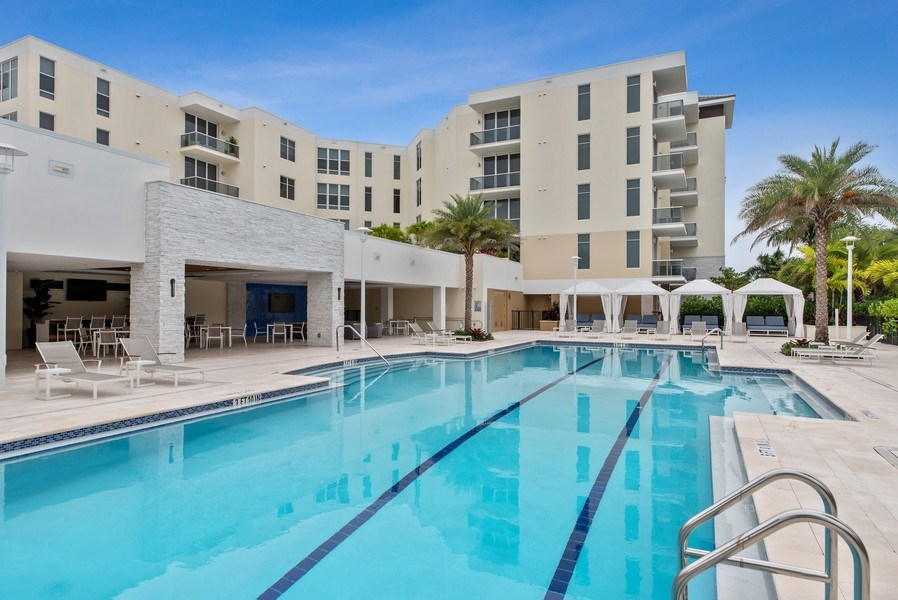 Real Estate Photography - 2720 Donald Ross Rd, Unit 502, Palm Beach Gardens, FL, 33410 - Pool