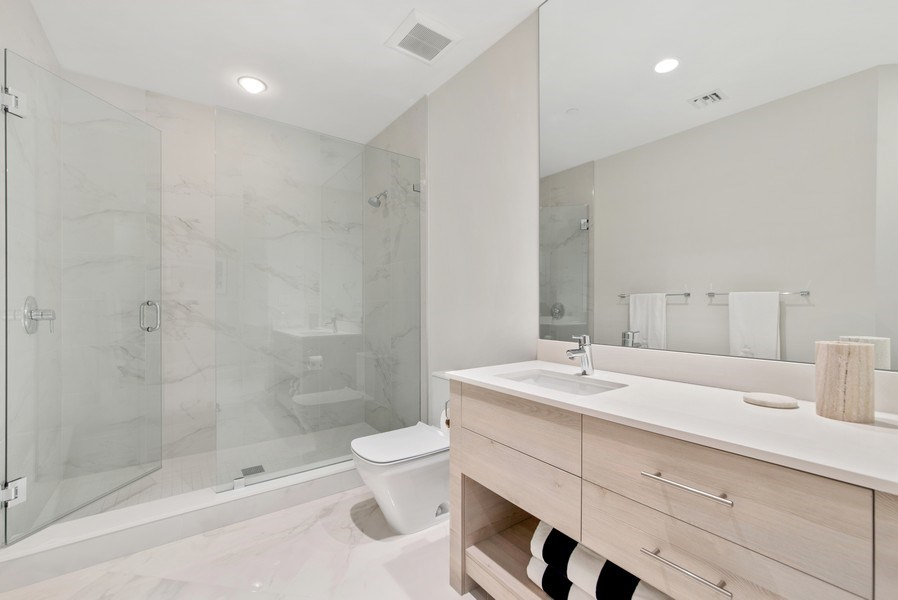 Real Estate Photography - 2720 Donald Ross Rd, Unit 502, Palm Beach Gardens, FL, 33410 - 2nd Bathroom