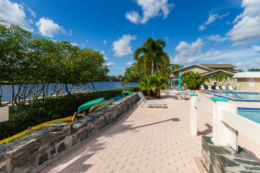 Real Estate Photography - 18459 SE Woodhaven Lane, Unit Colonial G, Tequesta, FL, 33469 -